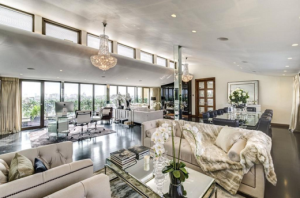 Property of the week: Hugh Grant's former Bachelor Pad on sale for £10,000,000